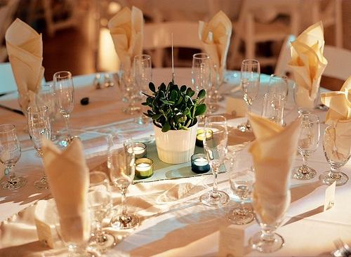 Decoração de mesa de casamento não é nenhum bicho-de-sete-cabeças