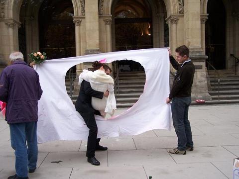 Jogos de casamento ajudam a dar um ar mais alegre